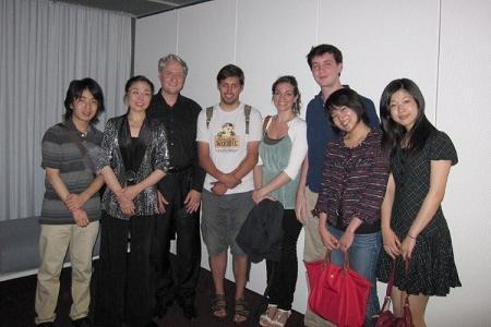 先生のコンサート後、クラスの友人と。この時はイタリア人、ドイツ人、日本人そして、先生の奥様(中国人)、という感じです。